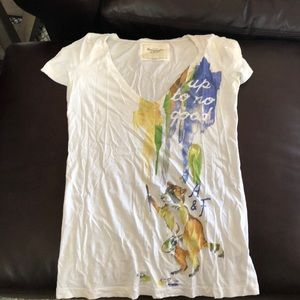 LAST CALL Abercrombie graphic white vneck
